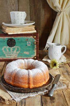 """El martes se celebró el """"National Bundt Cake Day"""" y en el blog lo festejamos hoy con este sencillo y a la vez delicioso bundt de limón..."""