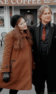 Robert and Emilie on the set of Once. Belle And Rumplestiltskin, Rumple And Belle, Rumpelstiltskin, Belle French, Once Up A Time, Ouat Cast, Emilie De Ravin, Robert Carlyle, Rise Of The Guardians