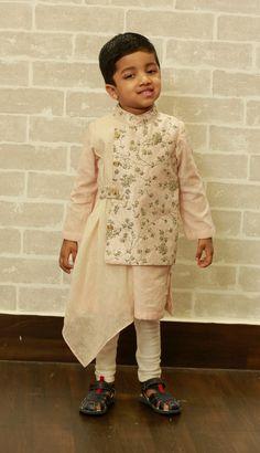 New Ideas Dress Country Grooms Baby Boy Dress, Baby Boy Outfits, Kids Outfits, Baby Dresses, Kids Kurta, Kurta Men, Kids Fashion Wear, Boy Fashion, Fashion 2020