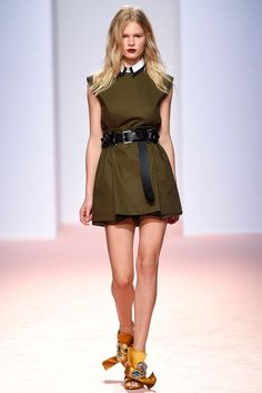 No. 21 Spring 2015 Ready-to-Wear - Collection - Gallery - Look 1 - Style.com