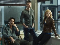 Emily Rose, Lucas Bryant, & Eric Balfour in Haven - love this show. Stephen Kings, Stephen King Novels, Emily Rose, Sons Of Anarchy, Series Movies, Movies And Tv Shows, Audrey Parker, Parker Movie, Lucas Bryant