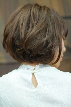 ボブにもパーマが映える♡ボブでかわいくなれるパーマを知ろう! 大和田 誠 | Anphi 弘明寺 Wavy Bob Hairstyles, Short Bob Haircuts, Shot Hair Styles, Hair Shows, Hair Affair, Creative Hairstyles, Good Hair Day, Look Fashion, Short Hair Cuts