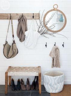 Stunning 85 Rustic Entryway Decorating Ideas https://crowdecor.com/85-rustic-entryway-decorating-ideas/