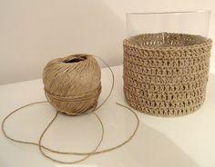 44 New Ideas for basket weaving crochet bag Vase Crochet, Crochet Diy, Crochet Crafts, Crochet Projects, Crochet Storage, Crochet Stitches, Crochet Patterns, Basket Weaving Patterns, Crochet Decoration