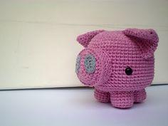 Amigurumi Pig - free crochet pattern and tutorial