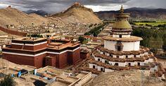 Kumbum Monastery and Gyantse valley
