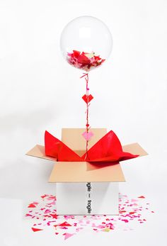 Balloon In A Box - Bonbon Balloons Valentines Balloons, Red Balloon, Balloon Box, Luxury Candles, Paper Hearts, Valentine Decorations, Xmas Decorations, Origami Paper, Craft Gifts