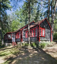Friends of Killarney Lodge in Algonquin Park Rustic Cottage, Cottage Style, Algonquin Park, O Canada, Wildlife Park, Lake Cabins, Lake Superior, Travel Memories, Great Lakes