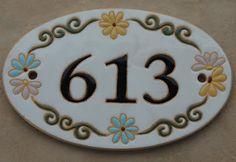 Simone Milak - Cerâmica de Ateliê: Placa Oval /Numeração para Casas