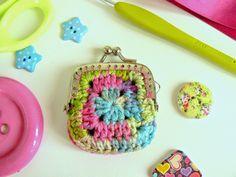 Little Crochet: Granny Wednesday - A Mini Granny Square Purse