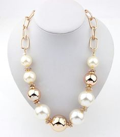 Designer Necklaces -Necklaces For Women Chunky Jewelry, Pearl Jewelry, Beaded Jewelry, Jewelery, Jewelry Necklaces, Beaded Bracelets, Silver Pendant Necklace, Diy Necklace, Necklace Designs