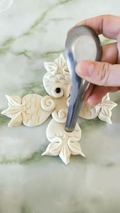 Pasta Art, Creative Food Art, Pastry Design, Bread Shaping, Food Artists, Food Carving, Puff Pastry Recipes, Paper Crafts Origami, Gum Paste Flowers