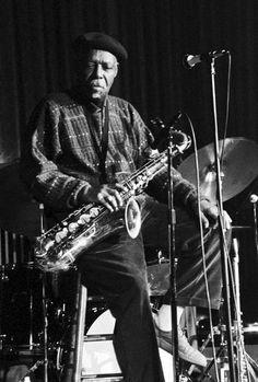 """David """"Fathead"""" Newman (24 de febrero de 1933 – 20 de enero de 2009) fue un músico de jazz estadounidense, saxofonista tenor y flautista. También tocó ocasionalmente el saxo soprano, el saxo alto y el saxo barítono. http://en.wikipedia.org/wiki/David_%22Fathead%22_Newman http://es.wikipedia.org/wiki/David_%22Fathead%22_Newman http://www.davidfatheadnewman.com/"""
