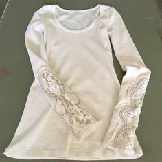 Free People Thermal Missing size tags but it's an XS. Perfect condition. Free People Tops Tees - Long Sleeve
