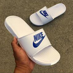 f12570103abc90 13 Best Nike Benassi   Slides images