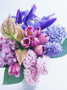 Blue Bunches  Blue and violet are the flower arrangement harmonizers, able to mingle among clashing colors and generate tranquility.