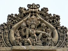 Vishnu in hoysala style Indian Temple Architecture, Art And Architecture, Temple Design, Stone Carving, Wood Carving, India Art, Stone Sculpture, Dance Art, Sacred Art