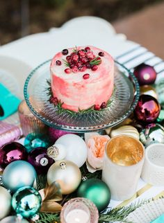 Serve multiple mini cakes for a Holiday tasting experience.