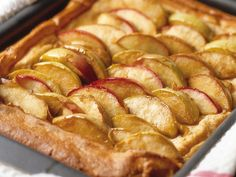 Omenapannari - Reseptit French Toast, Bacon, Sweets, Apple, Breakfast, Desserts, Recipes, Food, Apple Fruit