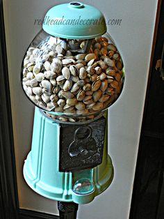 Aqua gum ball machine with pistachios Shabi Chic, Do It Yourself Inspiration, Aqua, Gumball Machine, Decoration, Bubble Gum, Diy Furniture, Diy And Crafts, Sweet Home
