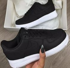 tenis de moda para mujeres - Sneakers Nike - Ideas of Sneakers Nike - tenis de moda para mujeres Moda Sneakers, Nike Sneakers, Sneakers Fashion, Fashion Shoes, Tumblr Sneakers, Sneakers Workout, Air Force Sneakers, Fashion Clothes, Fashion Fashion
