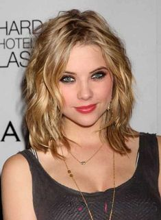 Best Hairstyles For Shoulder Length Hair – My Top 10 (Hair Cuts Shoulder Length) Thick Hair Styles Medium, Medium Thin Hair, Short Hair Styles, Medium Layered, Medium Lengths, Bob Styles, Side Bangs Hairstyles, Thin Hair Haircuts, Cool Hairstyles