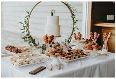 Wedding Desert Table, Dessert Bar Wedding, Wedding Desserts, Wedding Signing Table, Dessert Table Decor, Sweet Table Decorations, Dessert Food, Bridal Shower Desserts, Boho Wedding