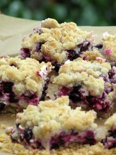 Blueberry Cheesecake Bars with Crumb Topping - perfect blend of creaminess, tartness, and sweetness.