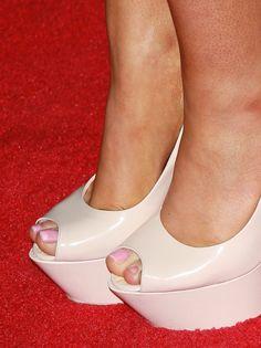 Worn by Ariana Grande. Ariana Grande Feet, Tan Body, Beautiful Toes, Sexy Toes, Sexy High Heels, Celebrity Feet, Peep Toe, Shoes Heels, Legs