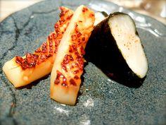 "Japanese gastronomy -Calamar grillé et St-Jacques ""issobe yaki""- www.iloli-restaurant.com"