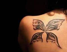 Darwin's Finches tattooed on Duygu Ozpolat, a graduate in developmental biology and evolution fanatic.