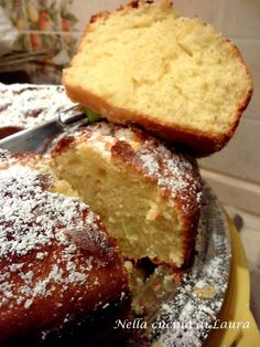 Ciambella yogurt e mela Italian Desserts, Italian Recipes, Italian Meals, Apple Recipes, Sweet Recipes, Apple Deserts, Best Bakery, Just Bake, Pound Cake Recipes