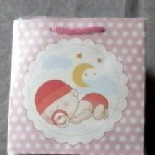 pembe renk kız bebek doğumu için uygun kartondan mamül çanta