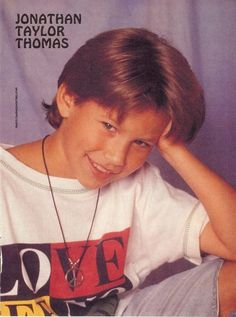 JTT huuuuge crush as a kid Jonathan Taylor Thomas, Big Crush, Child Actors, Teen Boys, Cute Guys, Growing Up, Children, Kids, Ball Gowns