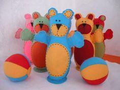 Olha que fofos esses ursinhos de feltro!