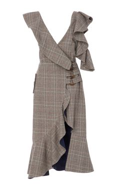 Self Portrait's dress has large ruffles to frame the plunging neckline and cutout shoulder. Punctuated with rings to highlight the slimmest part of your frame, this plaid style is woven with touches of wool and has a split front. Wear yours to an office event with a tote and heels.