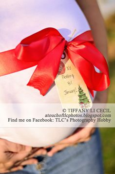 """Christmas Maternity Photo would be cute saying """"To Aubrey and Jaye, From God"""" Christmas Pregnancy Photos, Christmas Maternity, Christmas Photos, Christmas Themes, Baby Bump Photos, Newborn Pictures, Baby Pictures, Winter Maternity Photos, Maternity Pictures"""