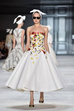 The Best Looks from the Couture Fall Winter 2015 Runway - Elle Giambattista Valli