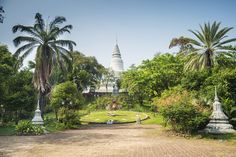 10 Top-Rated Tourist Attractions in Phnom Penh Tonle Sap, Ceiling Murals, Phnom Penh, Buddhist Temple, Angkor Wat, Cambodia, Statue Of Liberty, Attraction
