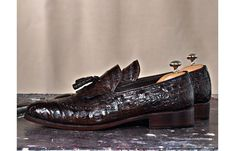 Mens Luxury Shoes : TucciPolo Troy Bespoke Mens Genuine Crocodile Leather Luxury Loafers with Tassels Luxury Belts, Luxury Shoes, Luxury Dress, Designer Dress Shoes, Custom Made Shoes, Italian Leather Shoes, Handmade Leather Shoes, How To Make Shoes, Buy Shoes