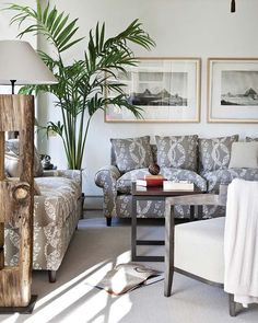 Mix and Chic: Eclectic chic living rooms.