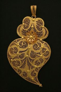 Portuguese gold jewelry www.ourivesariafr...  pinned with #Bazaart - www.bazaart.me pinned with Bazaart