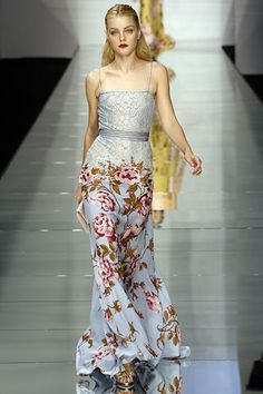 Valentino - Lace Shoe string top morphing into rose appliqué skirt - Spring 2006