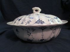 Vintage Myott Finlandia Staffordshire England Round Covered Vegetable Bowl Blue & White.