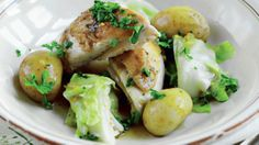 Bornholmsk hane med spidskål og nye kartofler | Femina