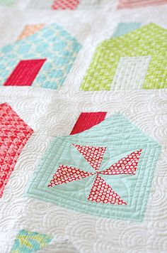 Simple, Pretty House Quilt