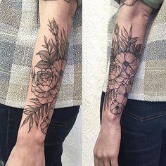 Botanical Forearm piece - thanks Danielle #tattoo #blacktattoo #blackwork #botanicaltattoo #blackiristattoo #greenpoint #blackworker #nyc #nature #illustration