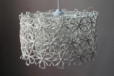 TEE ITSE - Koti ja sisustus : Rosee lampunvarjostin valkoinen (tripla) - Taito Etelä-Pohjanmaa One Rose, Paper Light, Chandelier, Ceiling Lights, Lighting, Handicraft Ideas, How To Make, Gifts, Diy