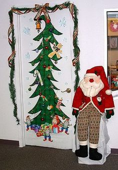 Best Idea For Christmas Door Decorating So Going To Do
