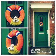 Voetbal krans 4th Of July Wreath, Charity, Wreaths, Home Decor, Decoration Home, Door Wreaths, Room Decor, Deco Mesh Wreaths, Home Interior Design